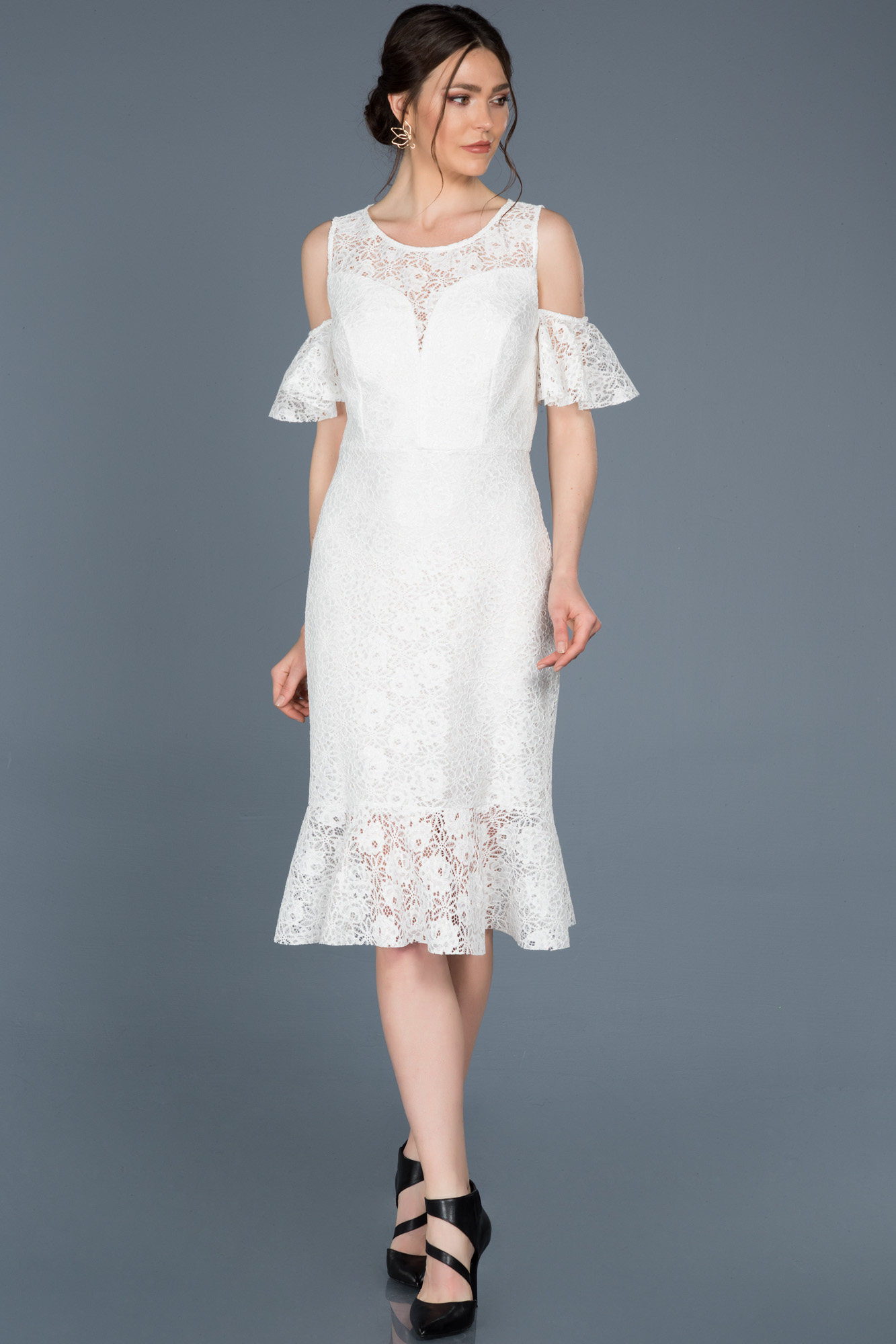Midi Beyaz Güpürlü Davet Elbisesi