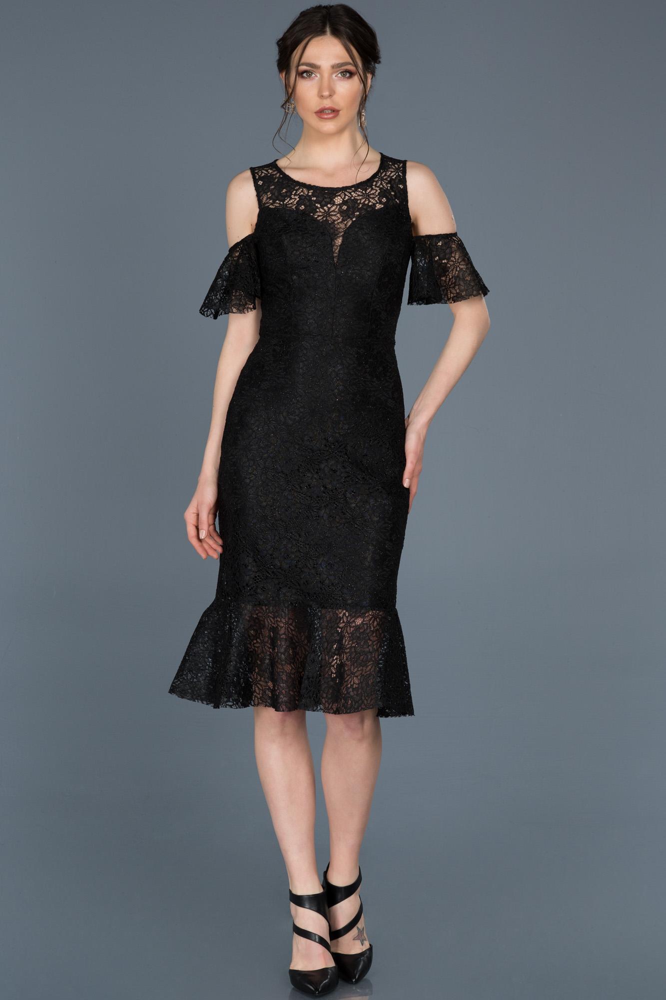Midi Siyah Güpürlü Davet Elbisesi